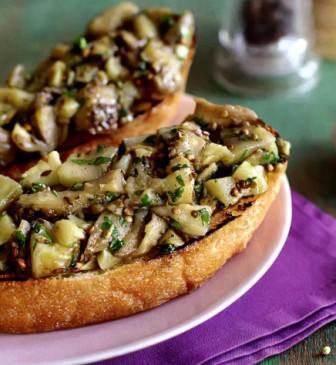 рецепты салатов с яичным омлетом
