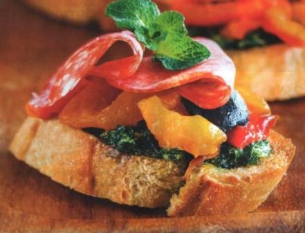 пинчос с колбасой и сладким перцем по  Каталонски