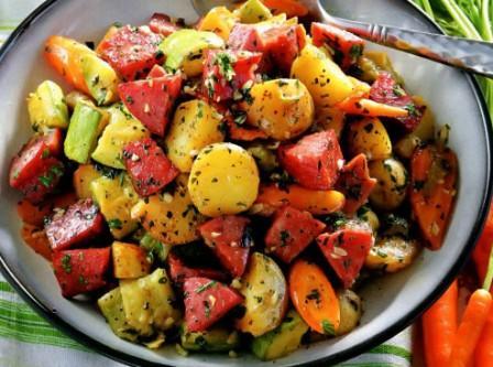 Рагу из летних овощей с колбасой