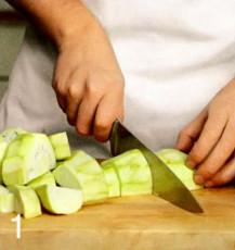 Как готовят лазанью в микроволновке
